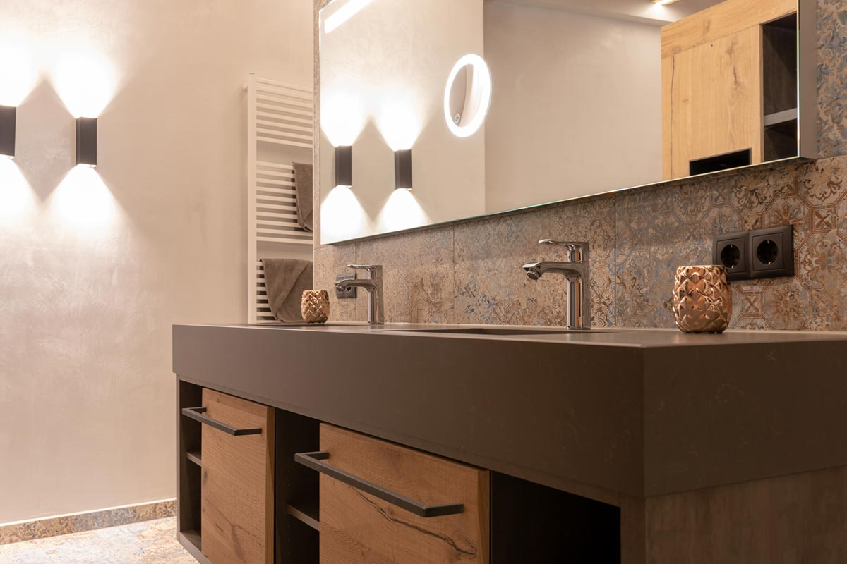Goldklee Badezimmer